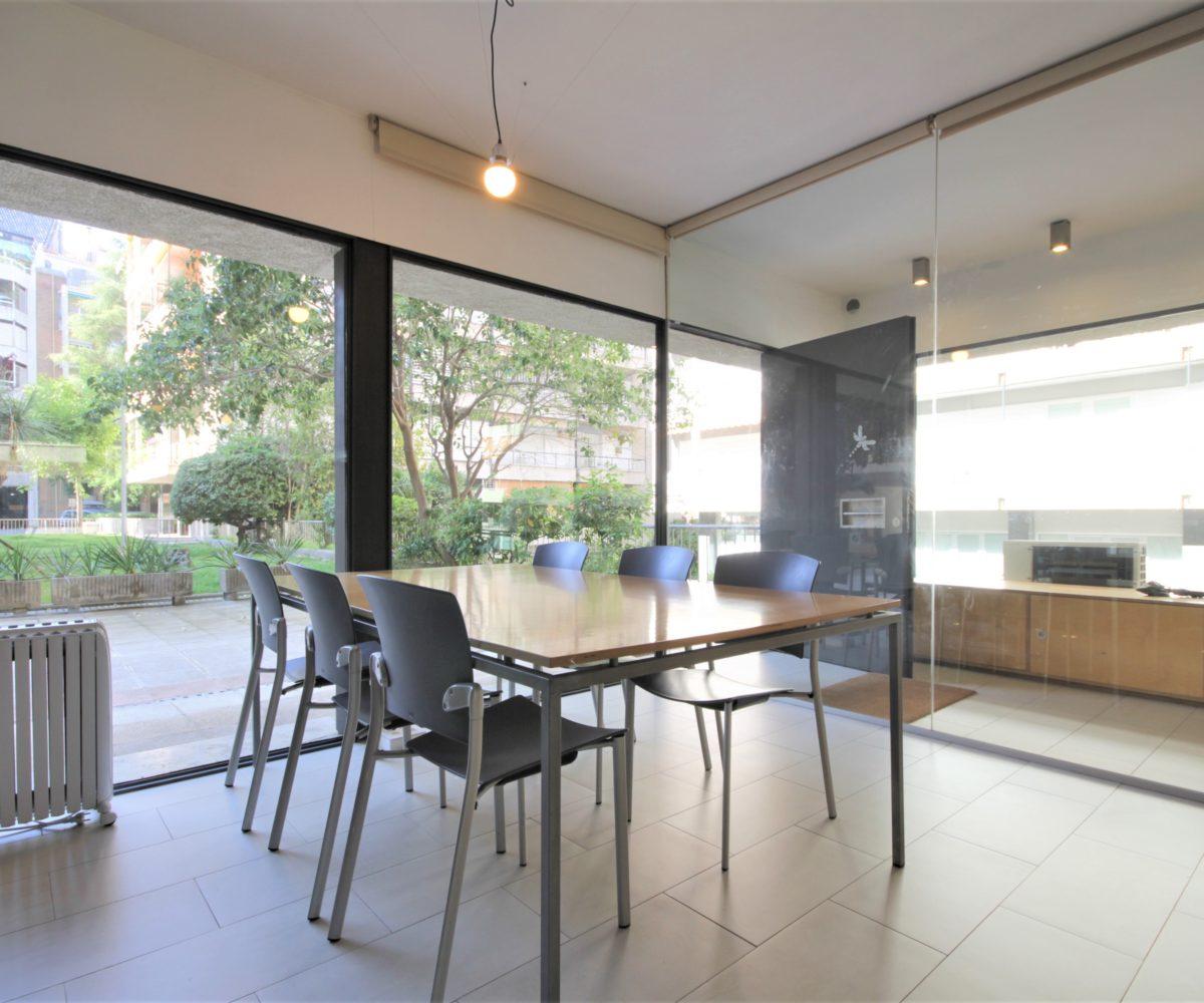 Fantàstiques oficines de 122 m2 en lloguer en una zona exclusiva de Sarriá-Pedralbes.