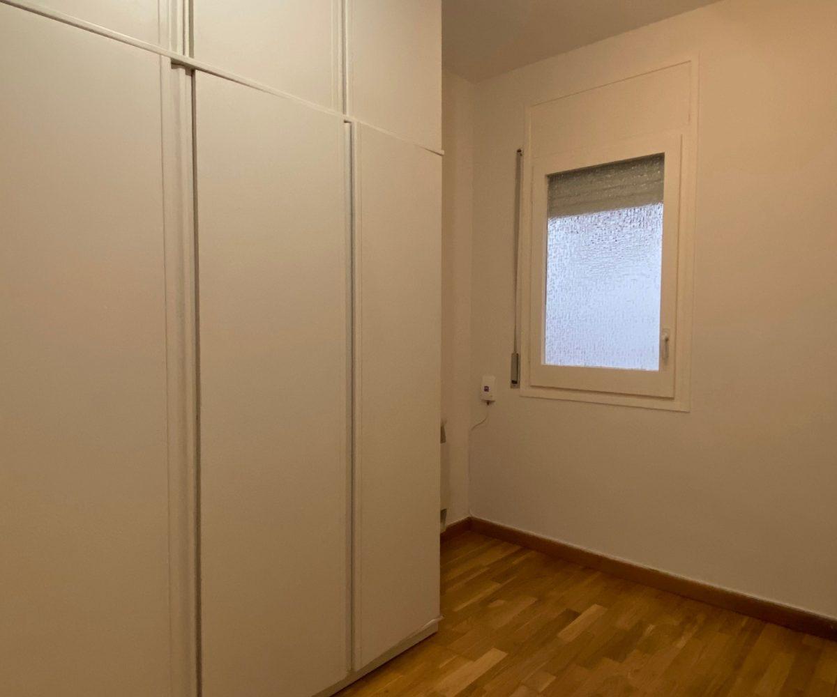 Es posa en lloguer aquest bonic pis situat al carrer Copèrnic.