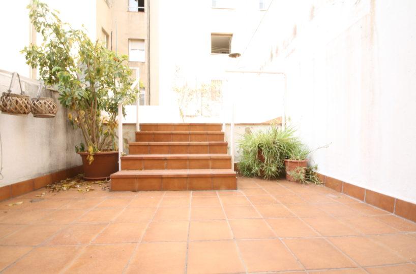 Apartamento con gran terraza en alquiler en Plaza Bonanova