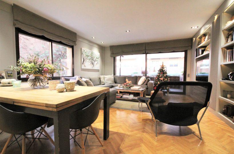 Precioso piso en finca joven de Turó Park con agradable terraza.