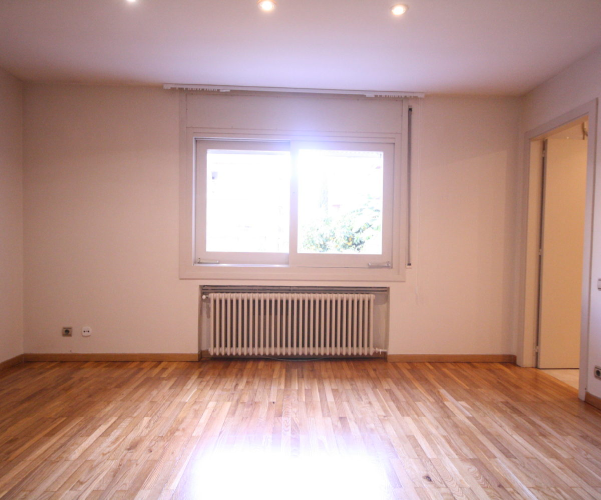 Gran piso a reformar de 240 m2 en zona Tres Torres.