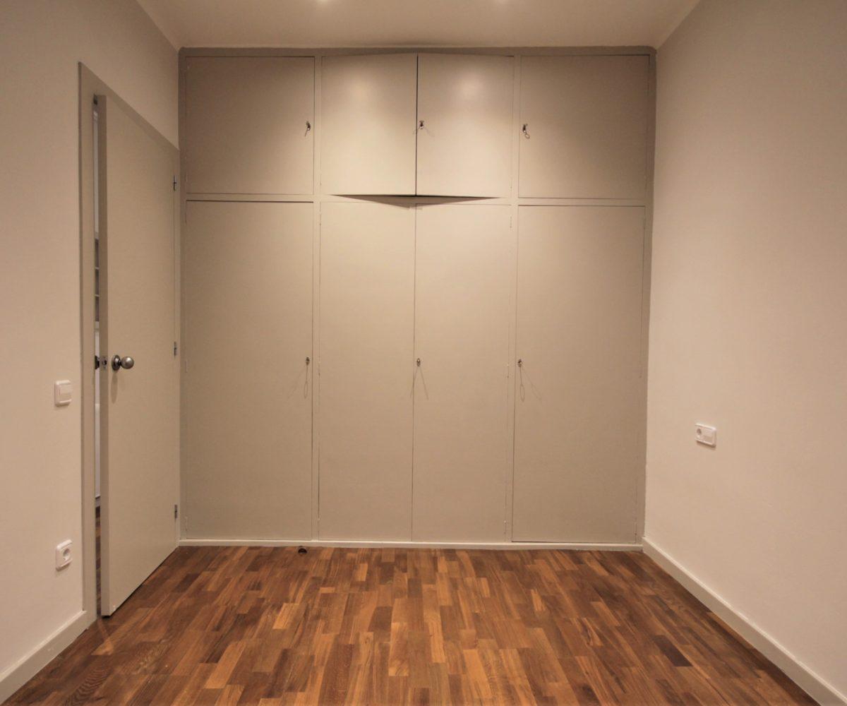 Fantástico piso exterior listo para entrar a vivir en calle Rocafort.