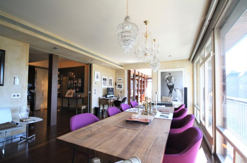Completely reformed apartment with the best materials and technology available at Tres Torres.