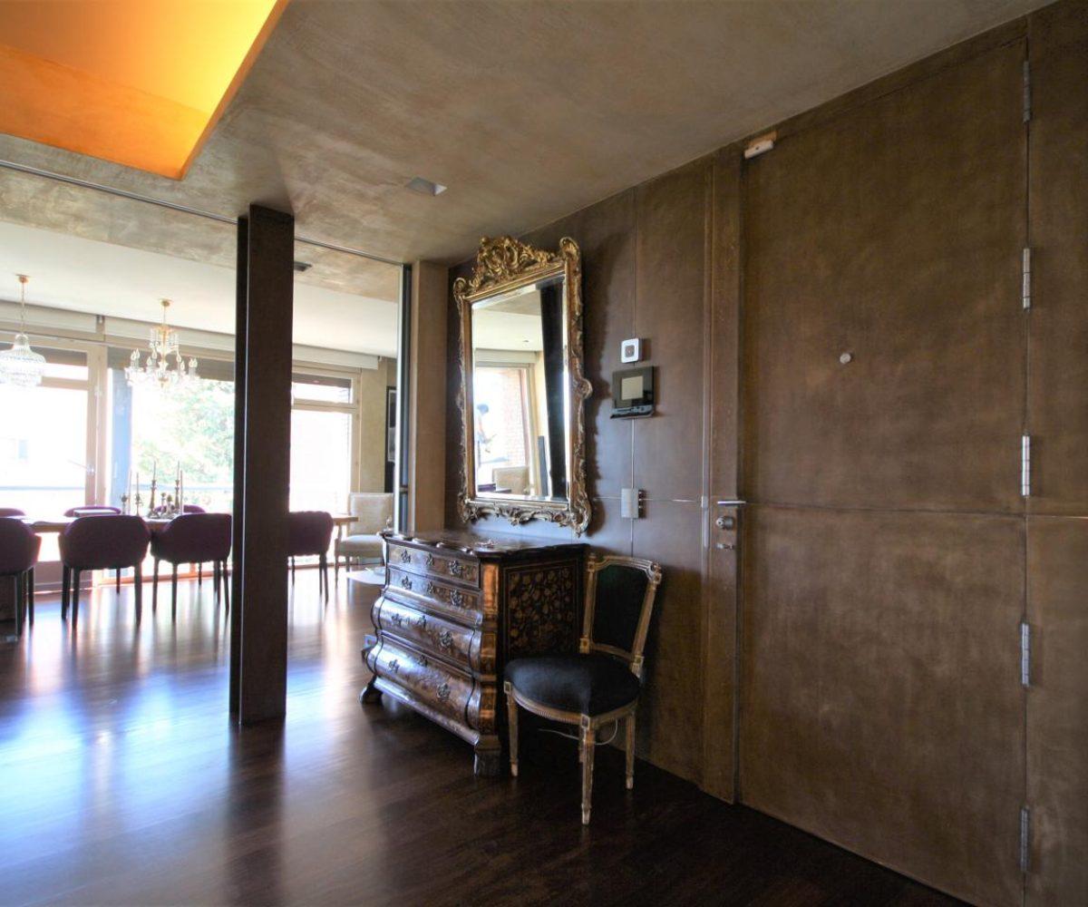 Vivienda reformada totalmente con los mejores materiales y tecnología disponible en Tres Torres.