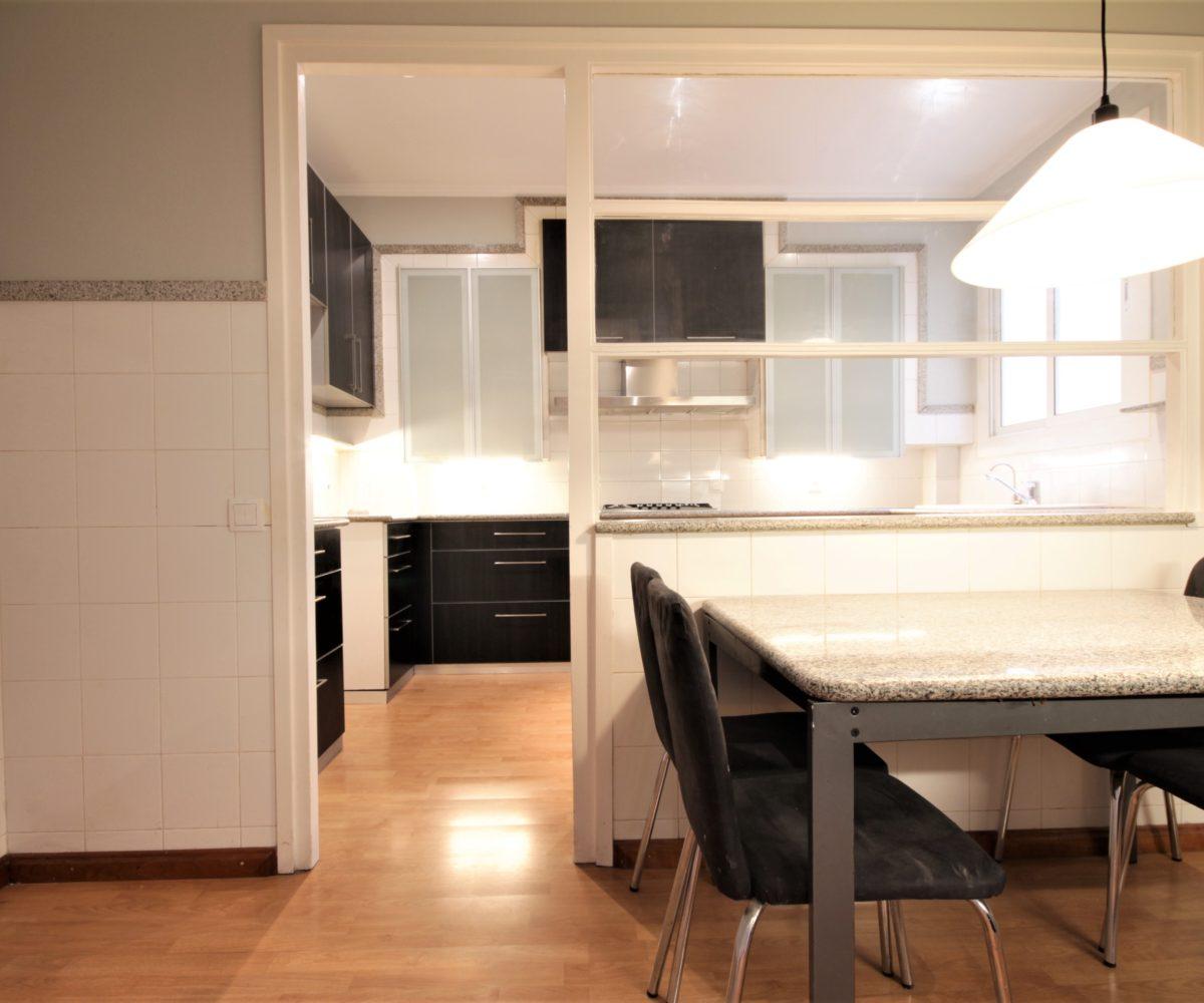 Gran piso en alquiler en finca regia de Diagonal / Fr. Maciá