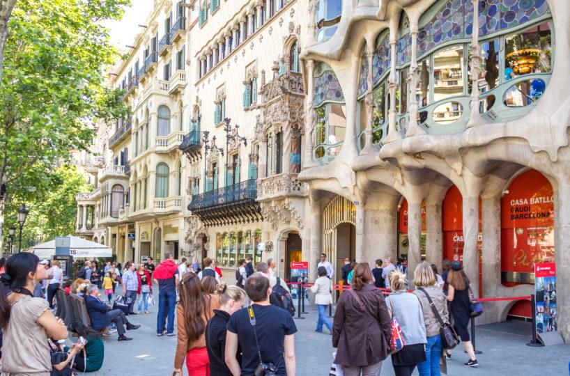 Barcelona liberalizará la apertura de comercios domingos y festivos de mayo a septiembre.