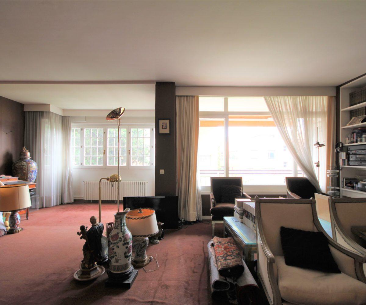 Gran piso a reformar de 240 m2 en zona exclusiva de Tres Torres.