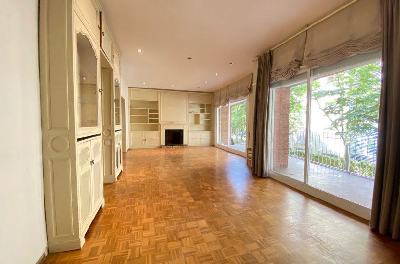 Amplio piso soleado de 221 m2 con  grandes terrazas en zona Mandri.